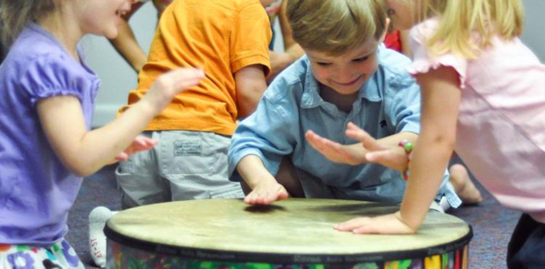 Estimulación Musical: conoce junto a tu bebé los múltiples beneficios de la música para su desarrollo.