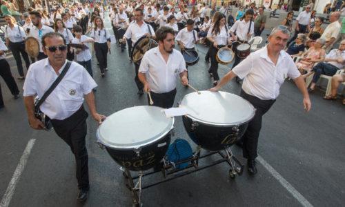 La Banda de música 'La Paz' se alzó con el segundo premio en la entrada de bandas de Alicante.